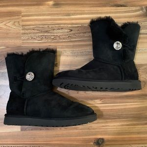 NWOT Ugg Bailey button bling rhinestone boots